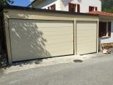 <h5>Portes de garage</h5><p>Cette installation a été réalisée par nos soins. Veuillez prendre note que le sol n'est pas de niveau et a une inclinaison d'environ 3%</p>